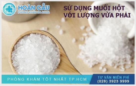 Sử dụng muối hột với một lượng vừa phải để tránh dư thừa