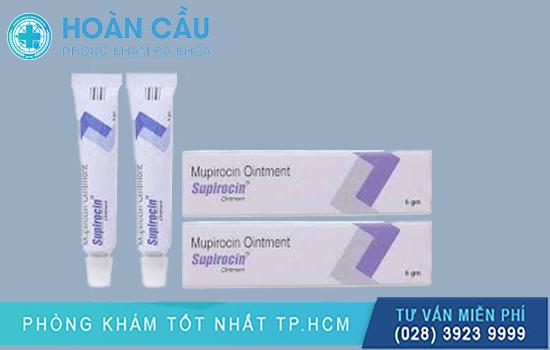 Mupirocin có công dụng chống lại những vi sinh vật gây nhiễm trùng da