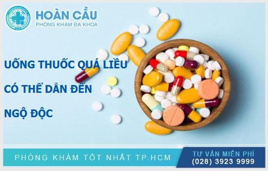 Dùng thuốc quá liều có thể dẫn đến dư thừa và ngộ độc vitamin