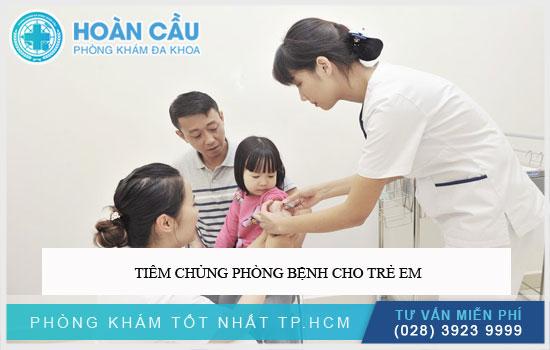 Tiêm chủng phòng bệnh cho trẻ em