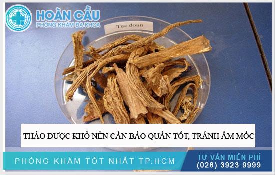 Thảo dược khô nên cần bảo quản tốt, tránh ẩm mốc